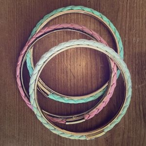 Pastel woven leather bangle set (3)